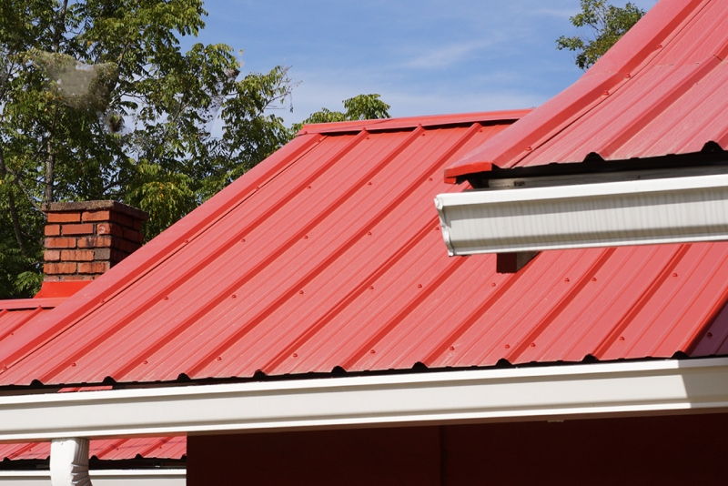 4 Reasons To Contact A Roofing Company Instead Of Doing It Yourself